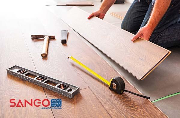 Thi công lắp đặt sàn gỗ trên nền gạch cũ
