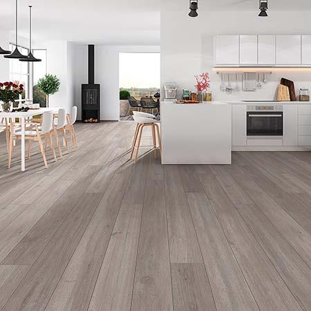Có nên lát sàn gỗ công nghiệp cho tầng 1