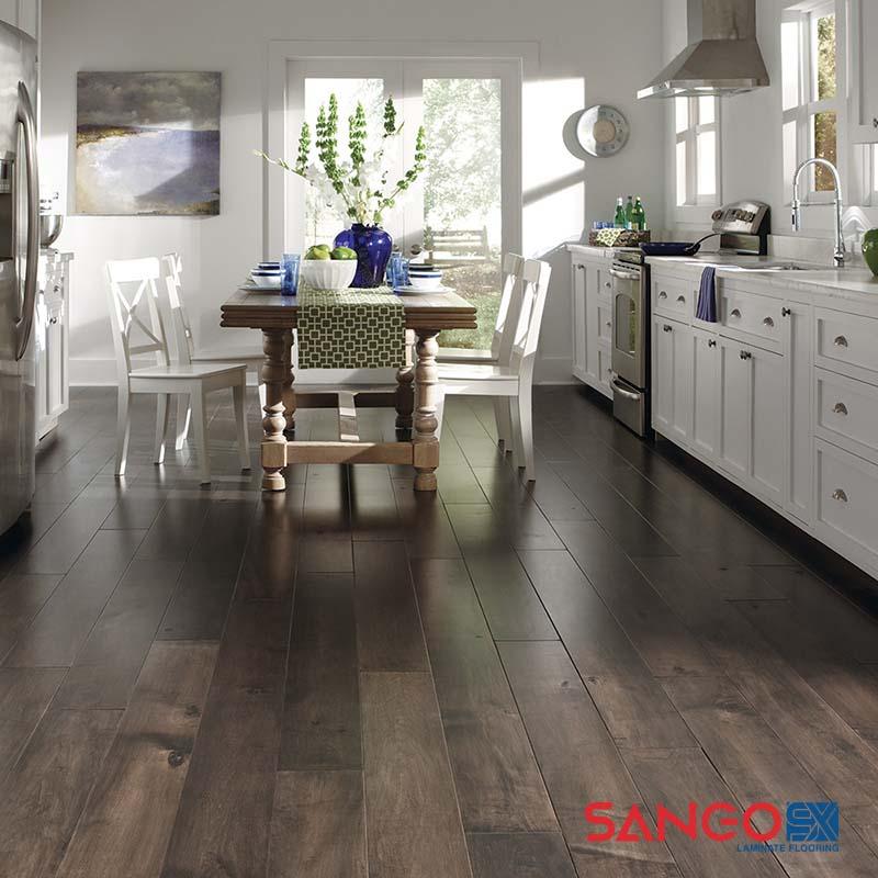 Nên lát sàn gỗ công nghiệp hay gạch cho nhà chung cư