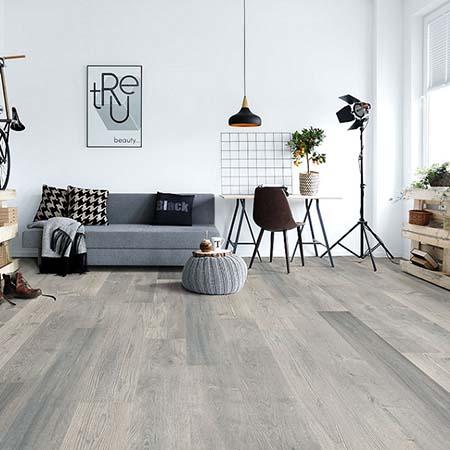 Nên lát sàn gỗ công nghiệp hay gạch men cho chung cư