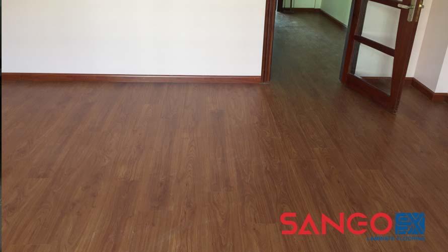 Sàn gỗ công nghiệp bị kêu và hướng dẫn cách khắc phục