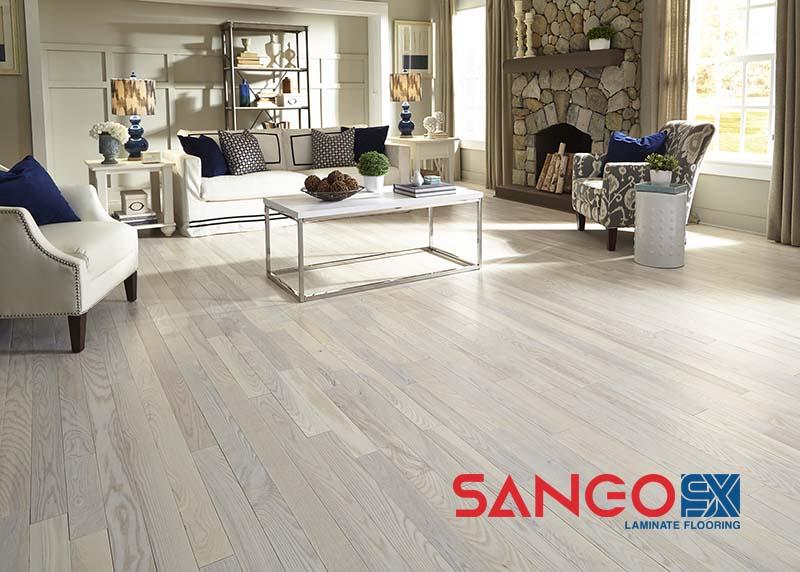 So sánh chất lượng sàn gỗ Robina và Inovar