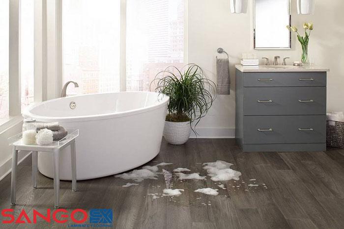 Các tiêu chuẩn đánh giá khả năng chống chịu nước của sàn gỗ