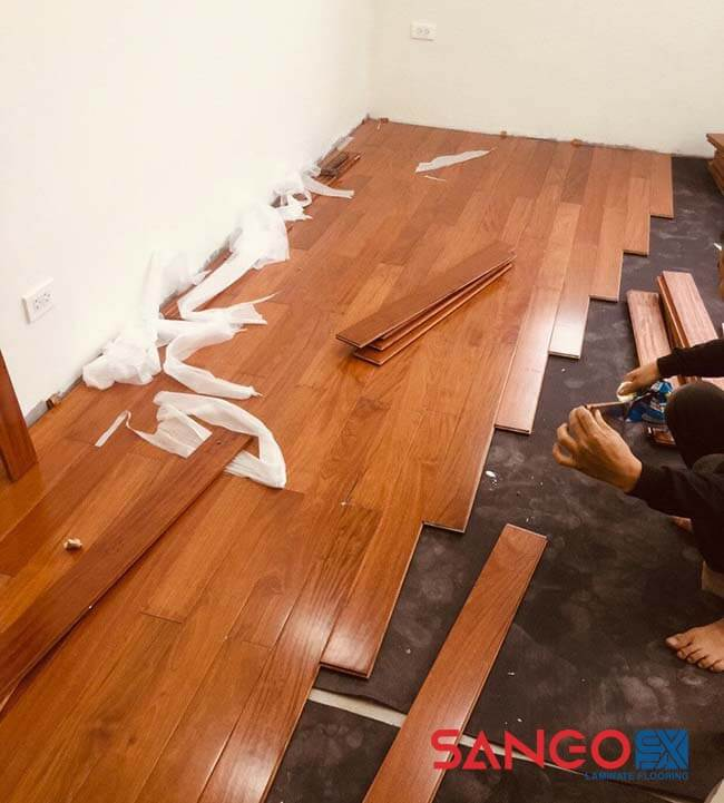 Nên lát sàn gỗ công nghiệp hay tự nhiên 02