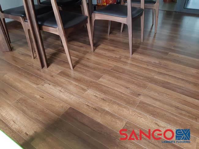 Nên lát sàn gỗ tự nhiên hay công nghiệp cho không gian nhà ở