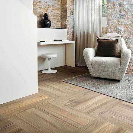 Sàn gỗ công nghiệp có chịu lực được không