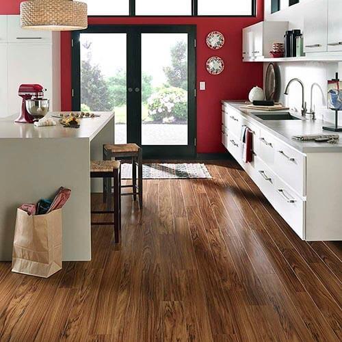 Cách chọn mẫu sàn gỗ công nghiệp cho phòng bếp