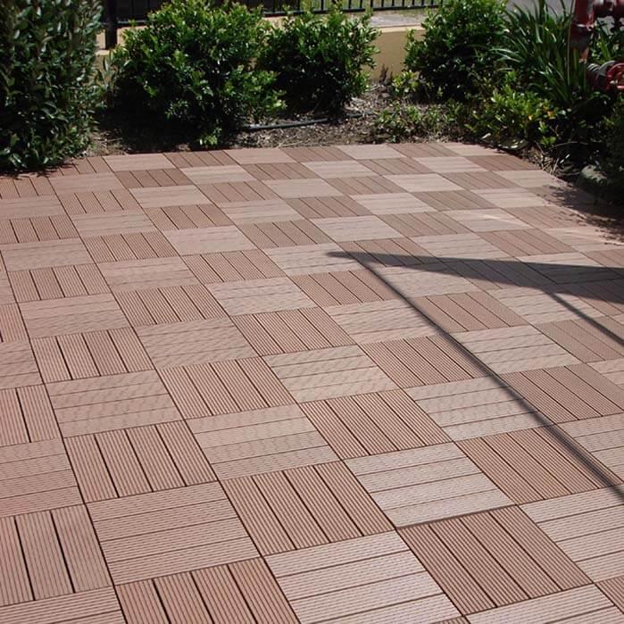 Vỉ gỗ nhựa lót sàn sân vườn ngoài trời