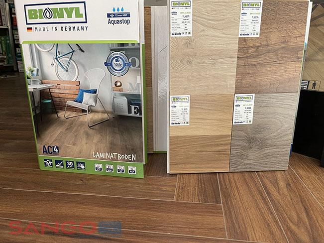 Mẫu sàn gỗ Binyl 8mm Class